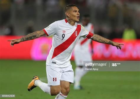 Jose Paolo Guerrero Stock Photos and Pictures | Getty Images