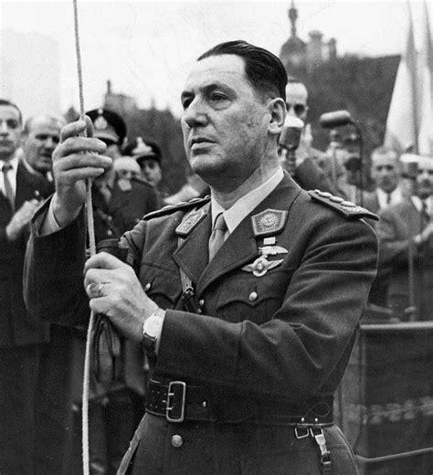 Juan Perón   Stew Ross Discovers