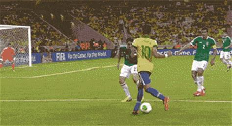 Jugadores latinoamericanos en el fútbol europeo ¿Los conoces?