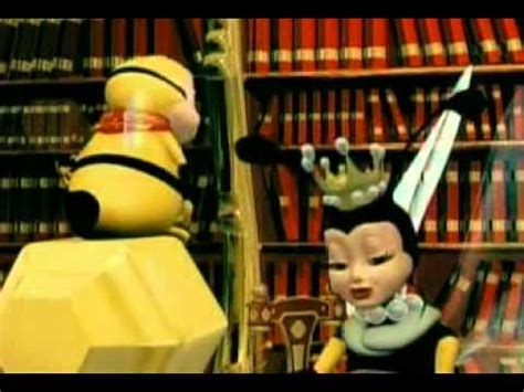 julia la abejita español latino parte 1   YouTube