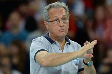 Julio Velasco anunció que dejará el seleccionado de voley ...