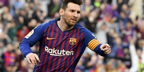 Junior Firpo: Messi seguirá marcando  hat tricks  hasta ...