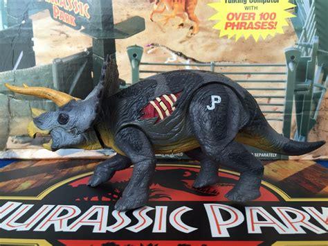 Jurassic Park Dinosaurios 3 Triceratops Con Velociraptor ...