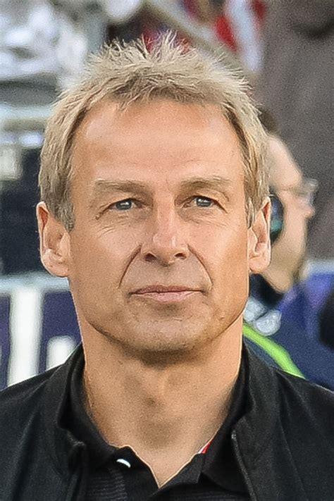 Jürgen Klinsmann   Starporträt, News, Bilder   GALA.de