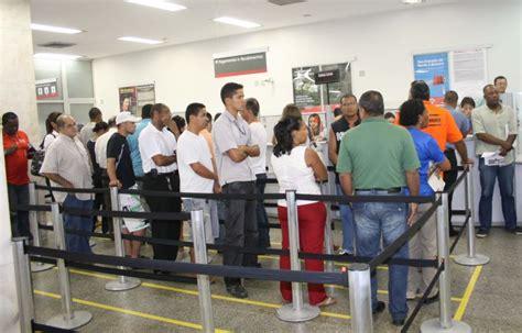 Justiça condena Santander a indenizar cliente que ficou em ...