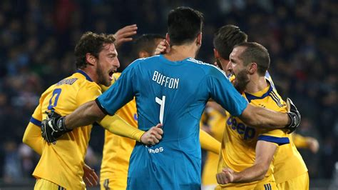 Juventus Turin gewinnt Spitzenspiel beim SSC Neapel