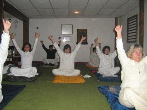 Kamal Yoga : Una clase de Kundalini Yoga