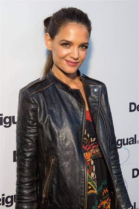 Katie Holmes breaks it down in new dance video   NY Daily News