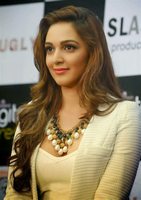 Kiara Advani Hot Photos – Beautiful PIX