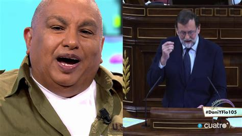King África canta el  cuanto mejor, peor  de Mariano Rajoy