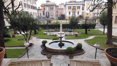 Klassenfahrt Rom – Anreise per Bus, Bahn oder Flug
