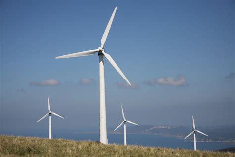 L energia eolica di ieri e il mini eolico di domani