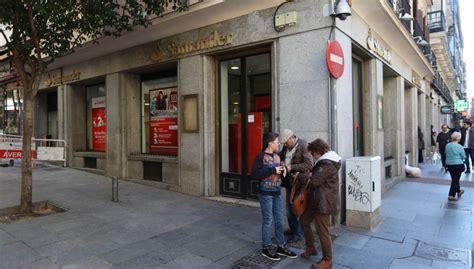 La banca inicia la segunda reestructuración del negocio ...