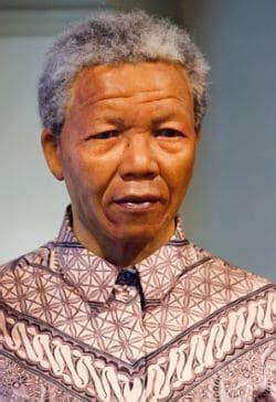 La Biografia de Nelson Mandela un Luchador de por la Paz