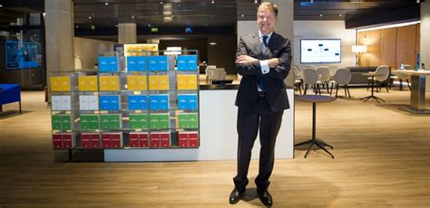 La Caixa estrena en Palma su nuevo modelo de oficina ...