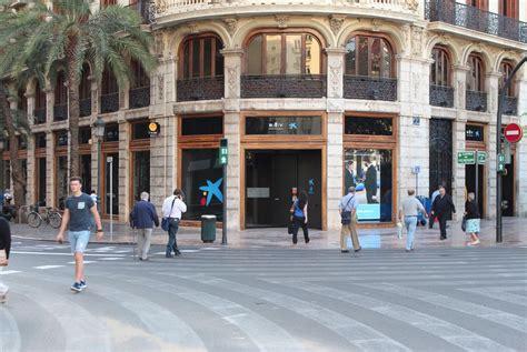 La Caixa reforma su histórica sede central de Valencia y ...