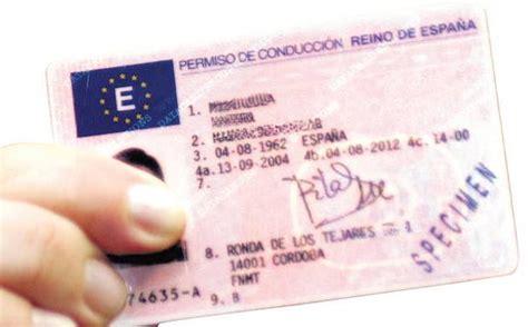 La DGT recuerda que los permisos de conducir caducados ...