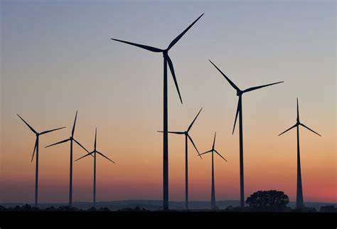 La energía eólica toma vuelo, pero los fabricantes de ...