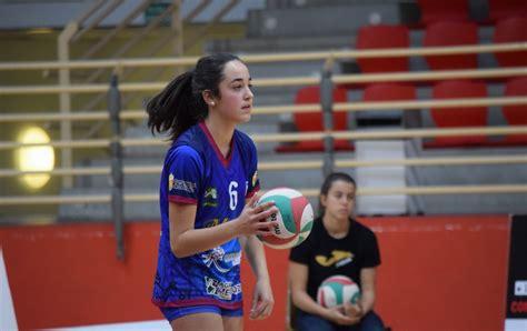 La Federación Española de Voleibol convoca a Vega Lope ...