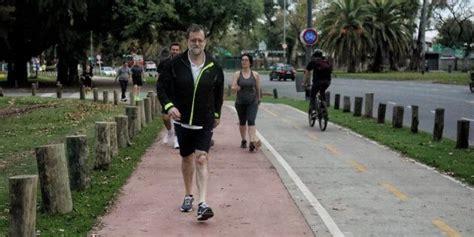 La foto de Rajoy caminando que llama la atención por este ...
