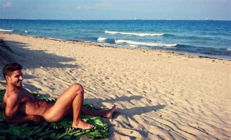 La foto más sexy de Maxi Iglesias posando desnudo en ...