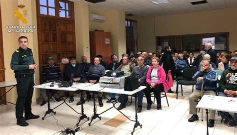 La Guardia Civil de Albacete informa a 1.000 mayores sobre ...