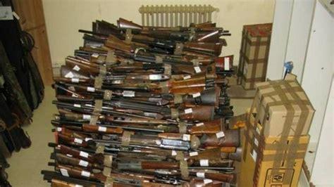 La Guardia Civil destruye en Lleida más de 800 armas ...
