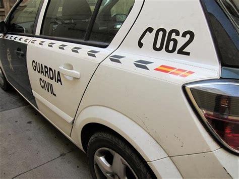 La Guardia Civil interviene más de 300 armas ilegales en ...