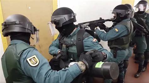 La Guardia Civil reta a la Policía con un  Mannequin ...