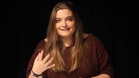 La hija de Zapatero, de gótica a 'youtuber'