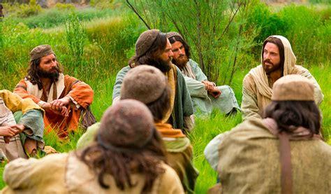 La historia detrás de los 12 apóstoles de Jesús • Punto38