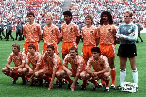 La Holanda guanyadora de la Eurocopa 1988 amb Van Basten i ...