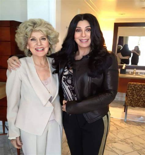 La impactante foto de Cher con su madre que hizo estallar ...