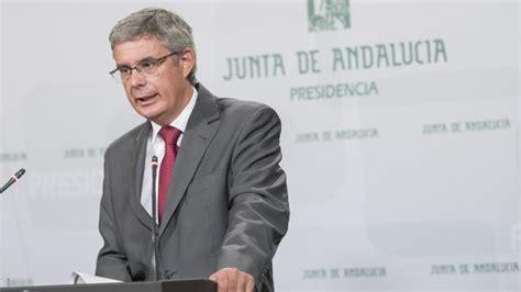La Junta acusa a Moreno de alentar los «agravios» entre ...