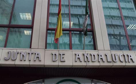 La Junta de Andalucía debe pagar casi 8 años de sueldo a ...