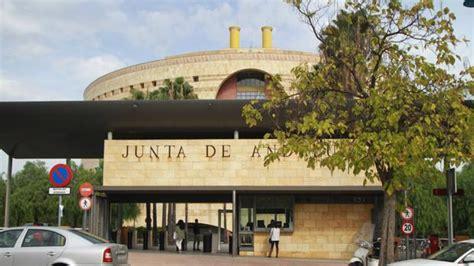 «La Junta me manda ahora a 200 kilómetros de mi residencia ...