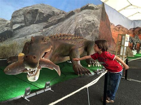 La mayor muestra de dinosaurios de Europa recala en el ...