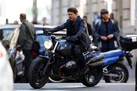 La moto de  Misión Imposible , la nueva película de Tom ...