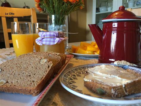 La Olla Vegetariana: Pan integral con harinas de centeno y ...