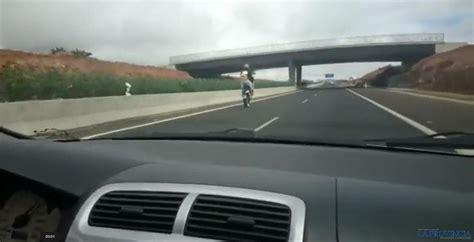 La Policía busca a este motorista en Lanzarote    Motos ...