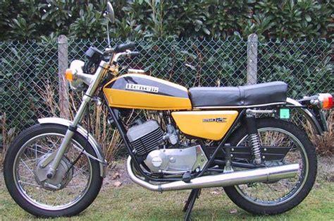 La première moto : Benelli 125 cm3