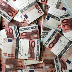 La rentabilidad del bono español a diez años baja al 4,69% ...