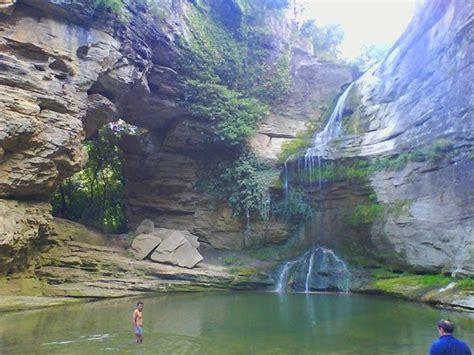 La Roca Foradada y la bonita zona de baño en la cascada ...