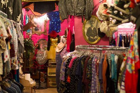 La ropa de segunda mano al peso seduce a los 'millennials ...