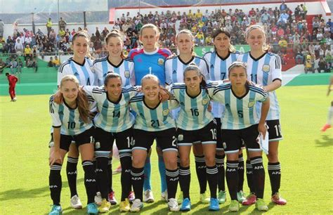 La selección argentina de fútbol de mujeres está de paro ...