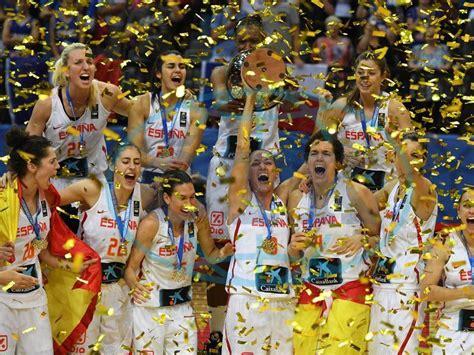 La selección femenina de baloncesto campeonas de Europa ...