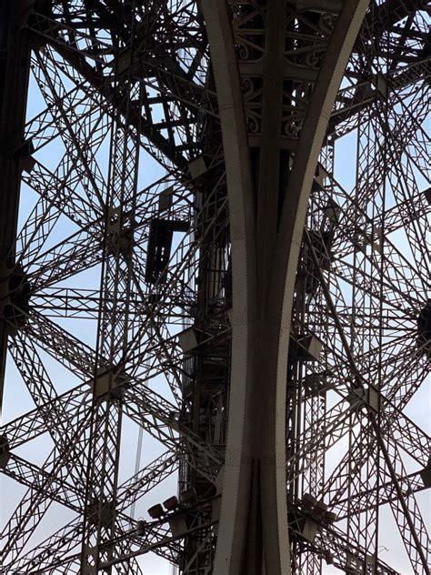 """La Torre Eiffel, la elegante """"Dama de Hierro"""" de París ..."""