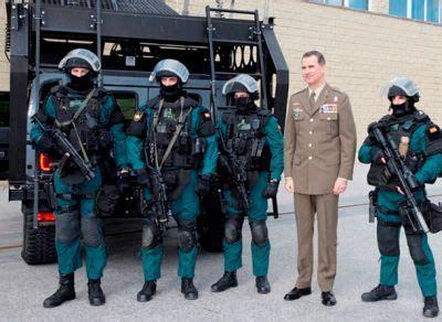 La unidad de élite de la Guardia Civil muestra sus ...
