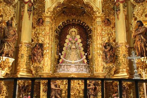La Virgen del Rocío luce nuevo traje para la Candelaria ...