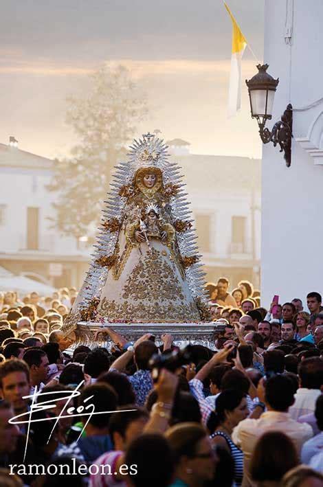 La Virgen del Rocío saldrá en procesión extraordinaria por ...